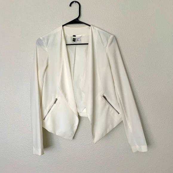White blazer 🤍
